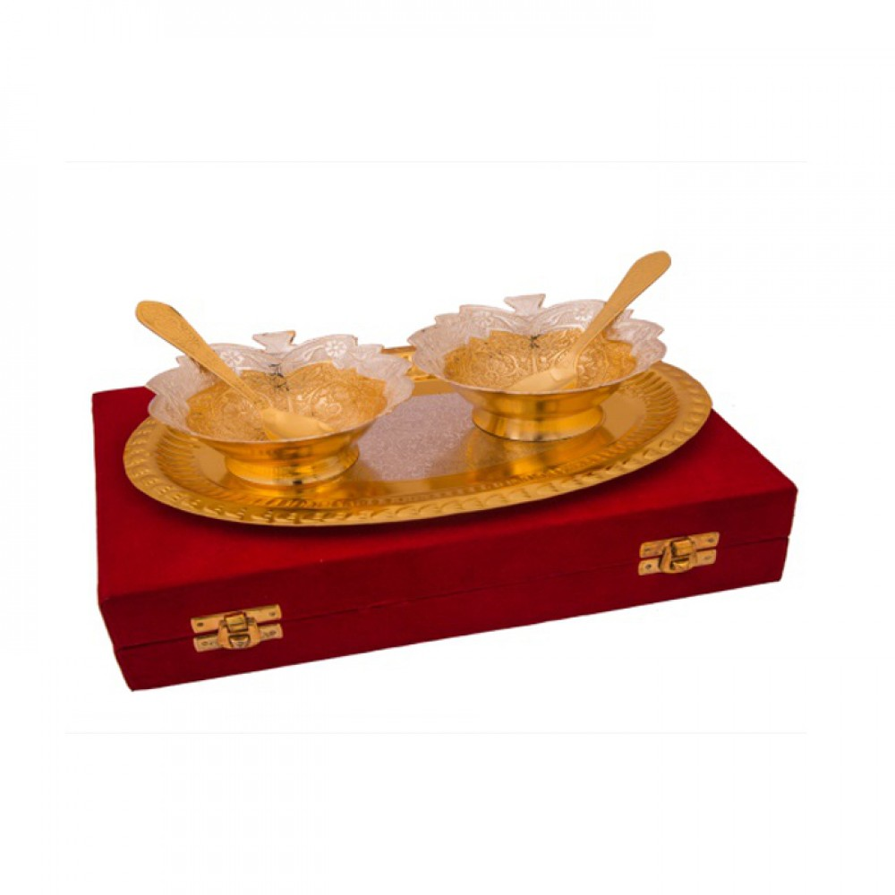 "Silver & Gold Plated Brass Leave Bowl Set 5 Pcs. (Bowl 4"" Diameter & Tray 9.25"" x 6.25"")"